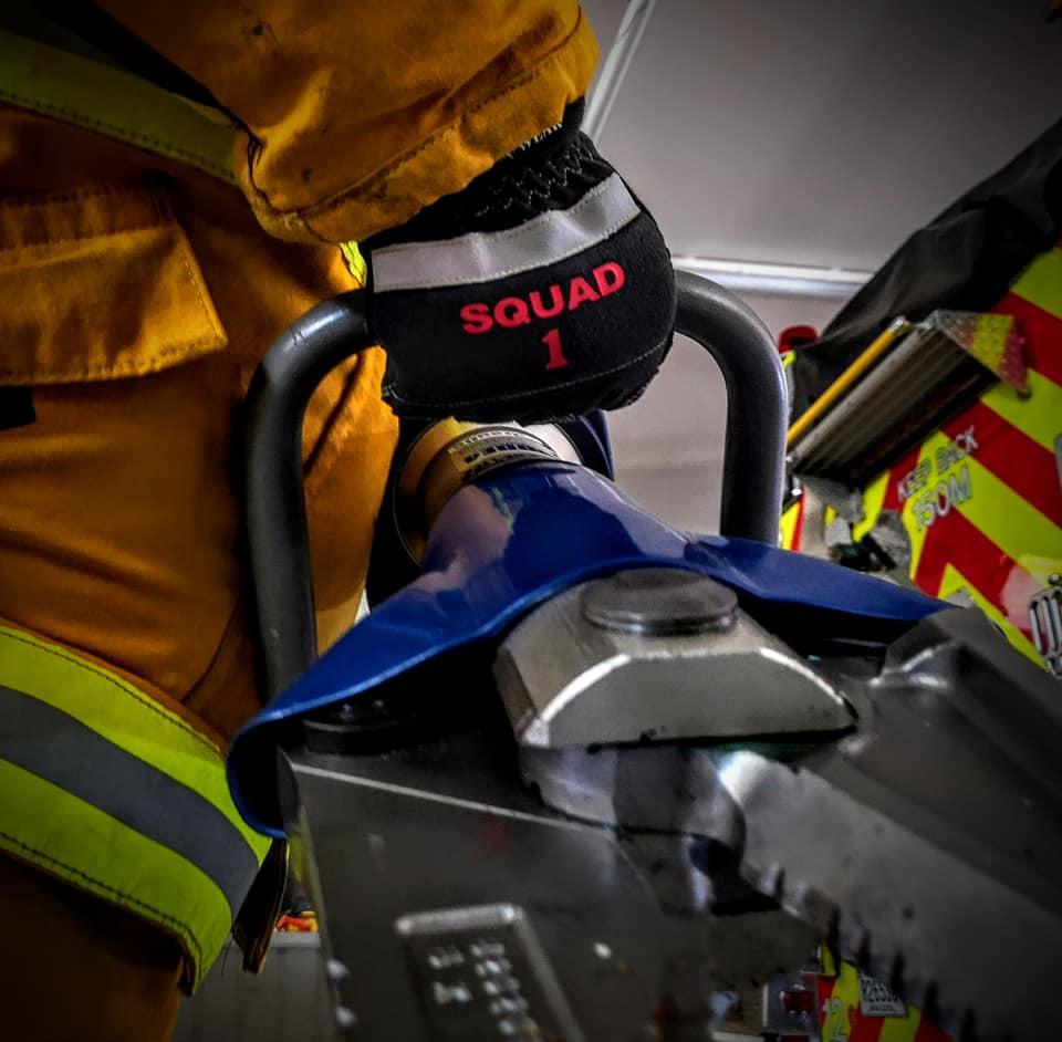 SQ-1K-rescue-gloves.jpg